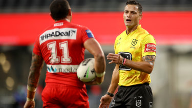 Henry Perenara ruled 10 six-agains in the Dragons Bulldogs match on Monday.