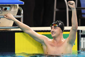 Elijah Winnington celebrates winning the 400m freestyle.