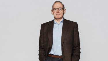 Bob Carr was one of the five board members who resigned.