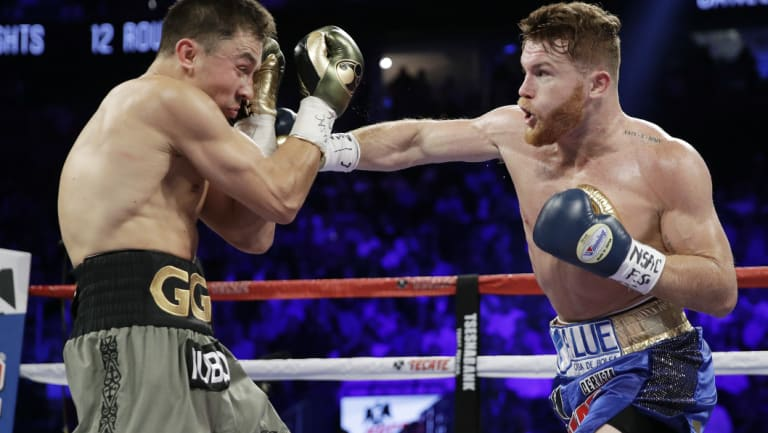 Canelo Alvarez hits Gennady Golovkin.