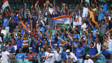 India fans.