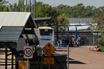 Passengers from India are transported to the Howard Springs Quarantine Facility on May 15.