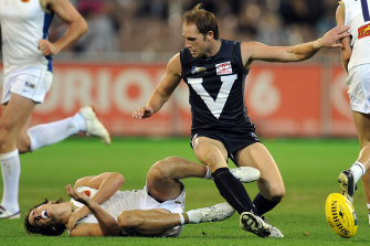 Josh Fraser, playing for Victoria against the Dream Team in 2008's origin clash, later suffered a knee injury in the game.