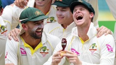 We Ve Won The Ashes Cricket S Iconic Urn To Visit Australia