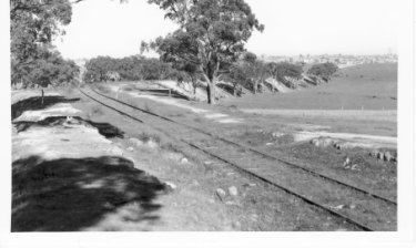 A line but no commuters: A section between Ashburton and East Malvern of the long defunct, 20km Outer Circle Railway.