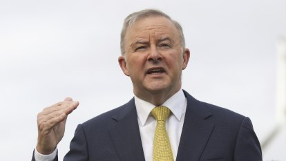 Albanese courts Christian groups in social justice pitch