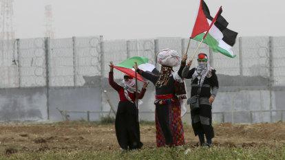 Three killed as Israeli military fires on militants at Gaza border