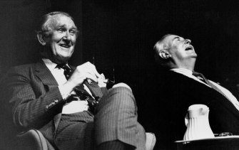 """Ex-prime ministers Gough Whitlam and Malcolm Fraser share a laugh at the """"Maintain The Rage-Over Fairfax"""" on October 28, 1991"""