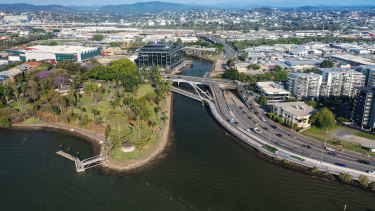 The Breakfast Creek green bridge will link up to Lores Bonney Riverwalk.