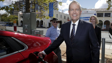 Opposition Leader Bill Shorten has pledged electric vehicles will comprise 50 per cent of new car sales by 2030.