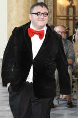 Alber Elbaz taking a bow in 2007 while creative director of Lanvin.