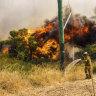 Total fire ban, nationals park close as WA braces for dangerous bushfire conditions