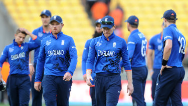 England leave the field after their crushing loss to New Zealand at the 2015 World Cup.