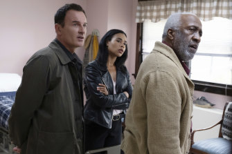 FBI: Most Wanted starring Julian McMahon as Jess, LeCroix, Roxy Sternberg as Sheryll Barnes, and Willie Carpenter as  Glanville Tyson.