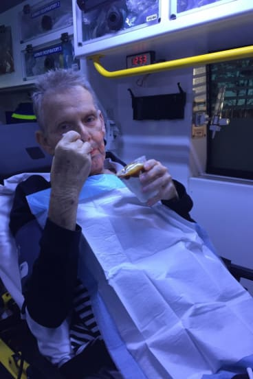 Paramedics gave their palliative patient Ron a caramel sundae on his final trip to hospital.