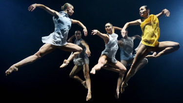 Ausdance National looks set to continue despite being unable to secure sustainable financial support.