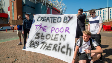 Manchester United fans add their voices to the protest.