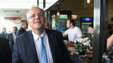 Prime Minister Scott Morrison in the Albury CBD.
