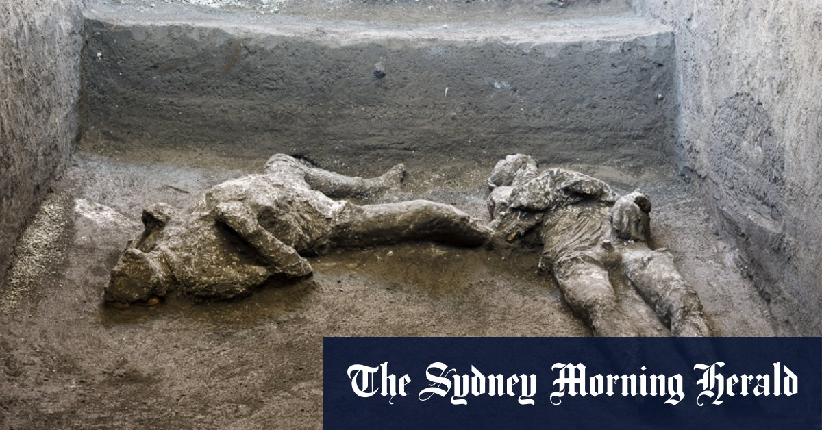 Bodies of man and his slave unearthed from ashes at Pompeii – Sydney Morning Herald