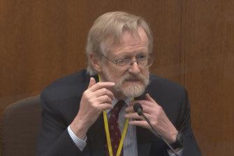 Dr Martin Tobin testifies at Derek Chauvin's murder trial.