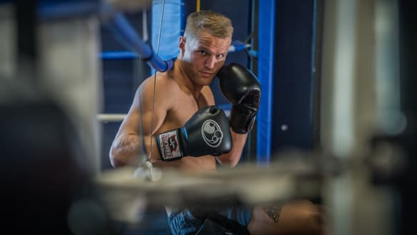 Don't run: Dave Toussaint tables an offer for Anthony Mundine