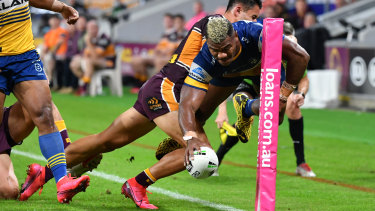 More than 900,000 viewers saw Maika Sivo touch down in the corner for the Eels on Nine alone.