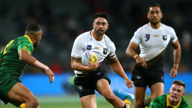 Shaun Johnson (centre) was the standout in New Zealand's opening loss to Australia.
