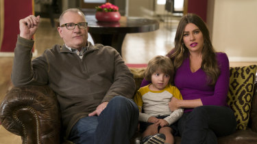 Jay (Ed O'Neill) and Gloria (Sofía Vergara) with son Joe (Jeremy Maguire).