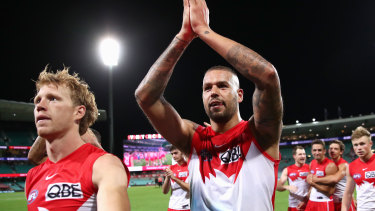 Lance Franklin inspired the Swans to their fourth straight victory to open the season.