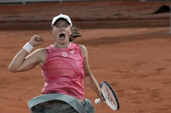 Iga Swiatek's bid for back-to-back French Open crowns remains alive.