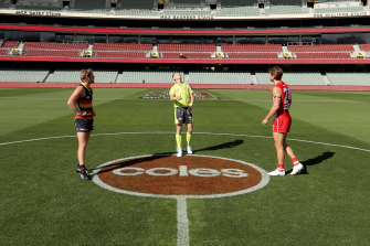 Rory Sloane of the Crows and Dane Rampe of the Swans in round 1 of the 2020 AFL season.