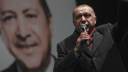 Anzac travel under review as Scott Morrison slams 'insult' by Turkish President Recep Erdogan