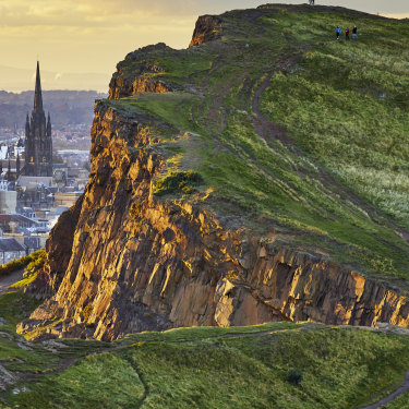 The rocky cliffs of Salisbury Crags in Holyrood Park, Edinburgh.