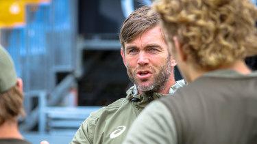 Geoff Parling runs his eye over Wallabies training.