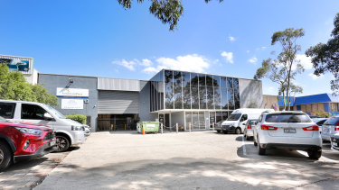 Private company ATOC has purchased a 1216 sq m office/warehouse at 13 Binney Road, Kings Park for $3.1 million.