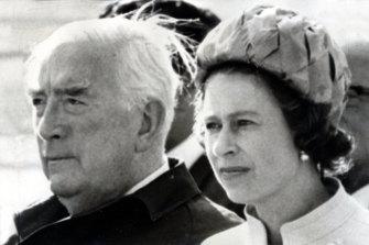 Sir Robert Menzies with the Queen.