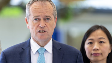Bill Shorten with Labor's candidate for Chisholm, Jennifer Yang, last year.