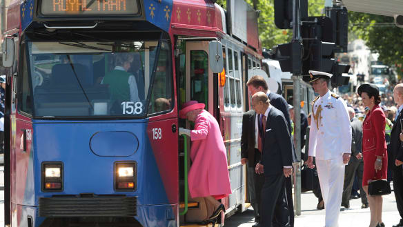 How does one tap on one's myki? Tips for the royal tram trip