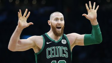 Aron Baynes is staying with the Celtics.