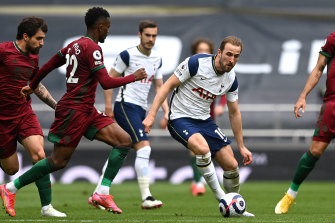 Harry Kane in action for Spurs.