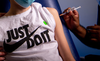 Now bosses are offering incentives for workers to get vaccinated.