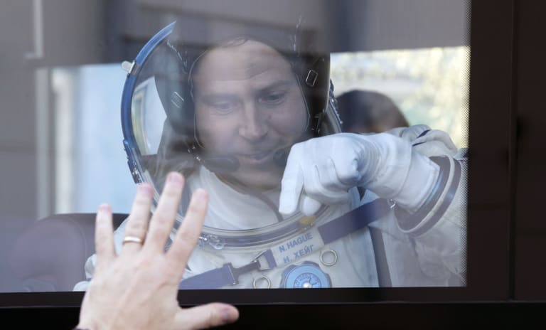 US astronaut Nick Hague says goodbye to relatives before launch.
