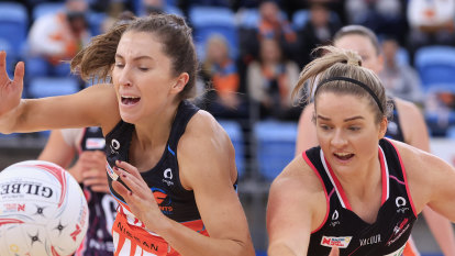Giants win first in four to go top with season-best victory over Adelaide