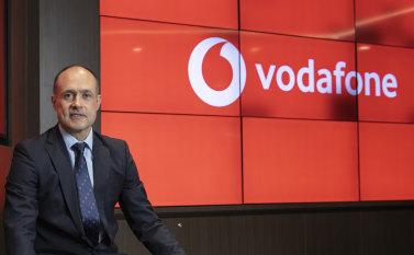 TPG Telecom to review consumer brands after hiring Foxtel, NBN exec