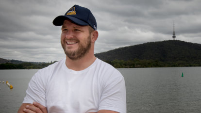 Brumby Tales: The reason James Slipper swims in Lake Burley Griffin