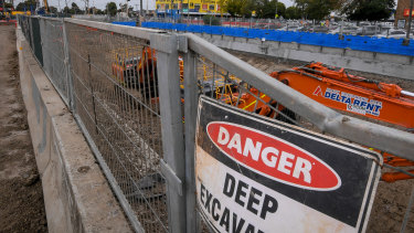 A level crossing removal worker has tested positive for COVID-19.