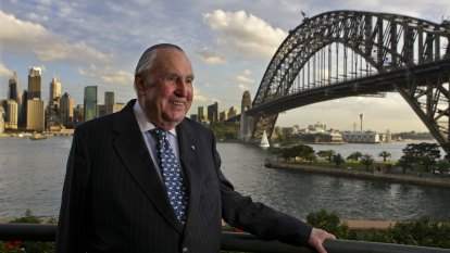 'It was an extraordinary life': Legendary bookie Bill Waterhouse dies, aged 97