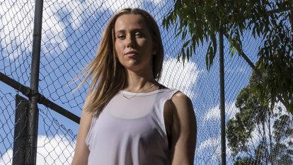 SMH Half Marathon: Endometriosis battle inspires Lane Cove woman's run