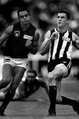 Collingwood and Essendon at the Anzac Day match in 1995.