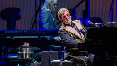 It's not the first time Sir Elton John lost his cool on stage.